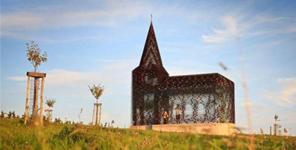 Nhà thờ có kiến trúc đặc biệt, có thể nhìn xuyên thấu